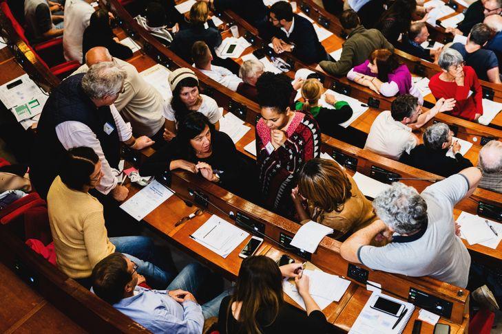 Premier weekend de la convention citoyenne pour le climat au CESE à Paris.